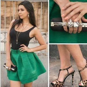 NWT M H&M Bandage skater Skirt Green Holiday Glam